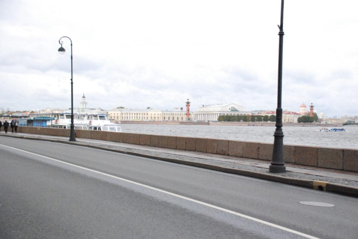 Обзорная экскурсия в Петербурге на автомобиле