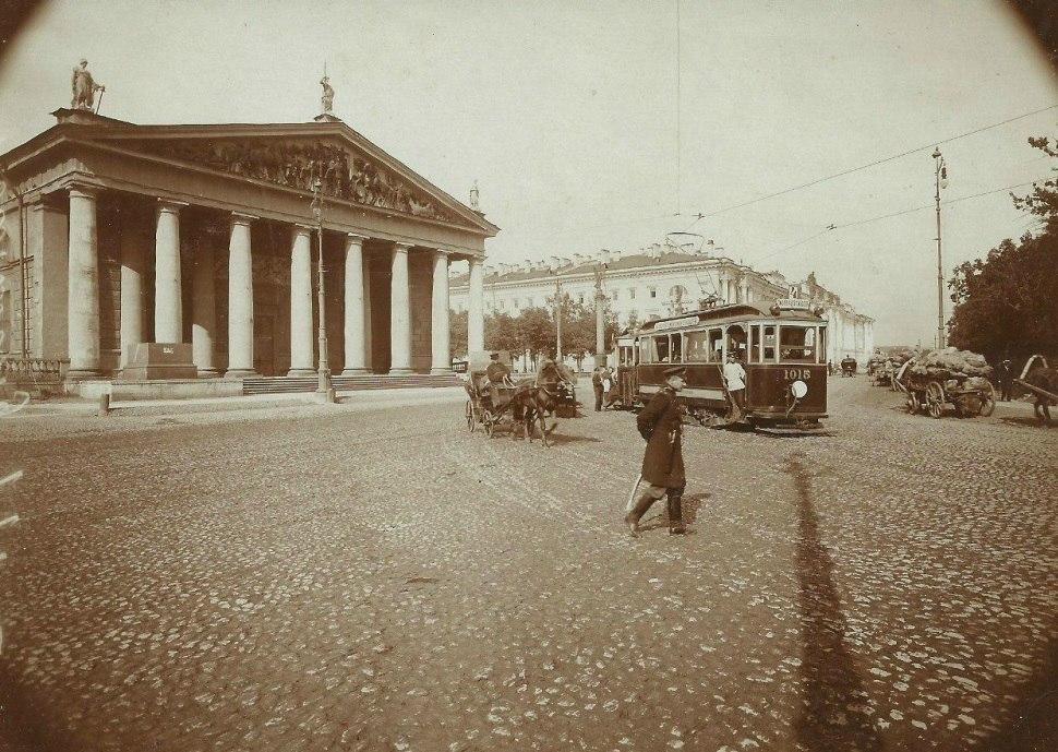 Архитектура главных площадей Санкт-Петербурга