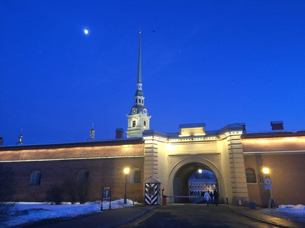 Обзорная экскурсия по Петербургу на автомобиле
